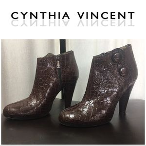 Beautiful Brown Embossed All Leather Ankle Boots